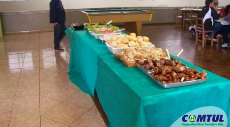AFUCOMTUL realiza almoço dia do trabalhador
