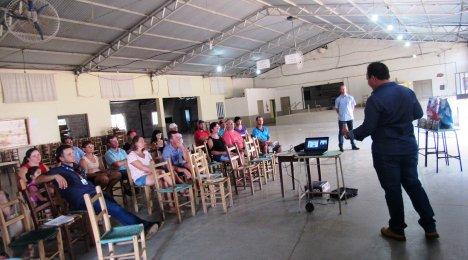 Palestra aos Produtores Leiteiros - Comunidade Linha Teresa/Campina das Missões